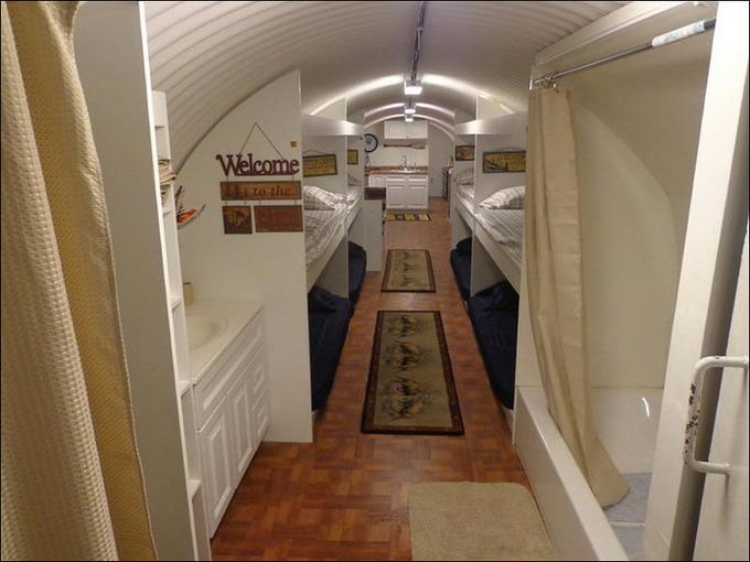 地下埋設型シェルターの内部